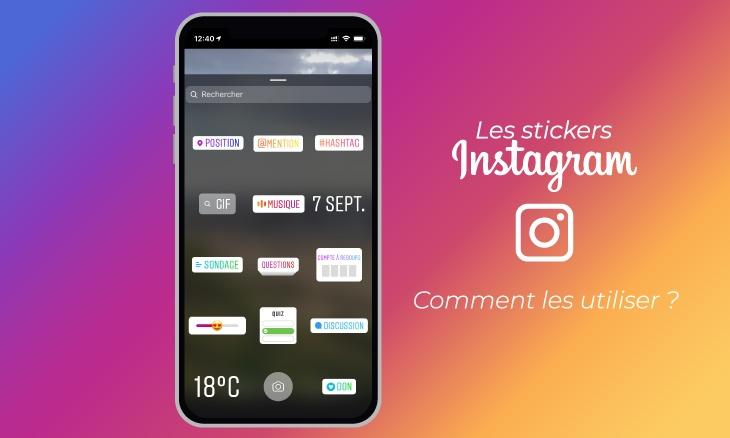 Stickers Instagram sur un smartphone sur un fond aux couleur d'Instagram.